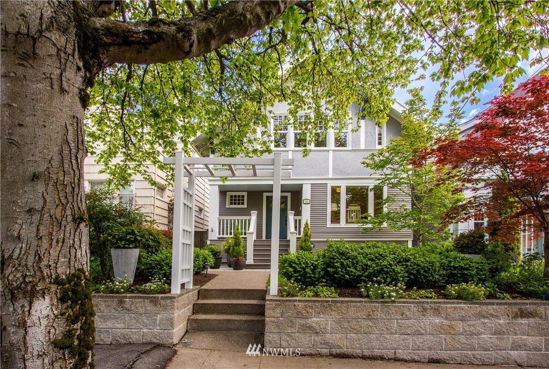 Photo of 726 34th Avenue, Seattle, WA 98122 (MLS # 1770667)