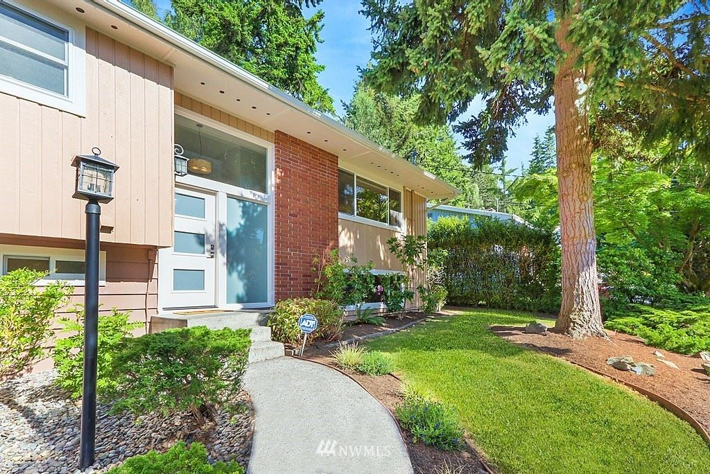 Photo of 22101 93rd Place W, Edmonds, WA 98020 (MLS # 1790667)