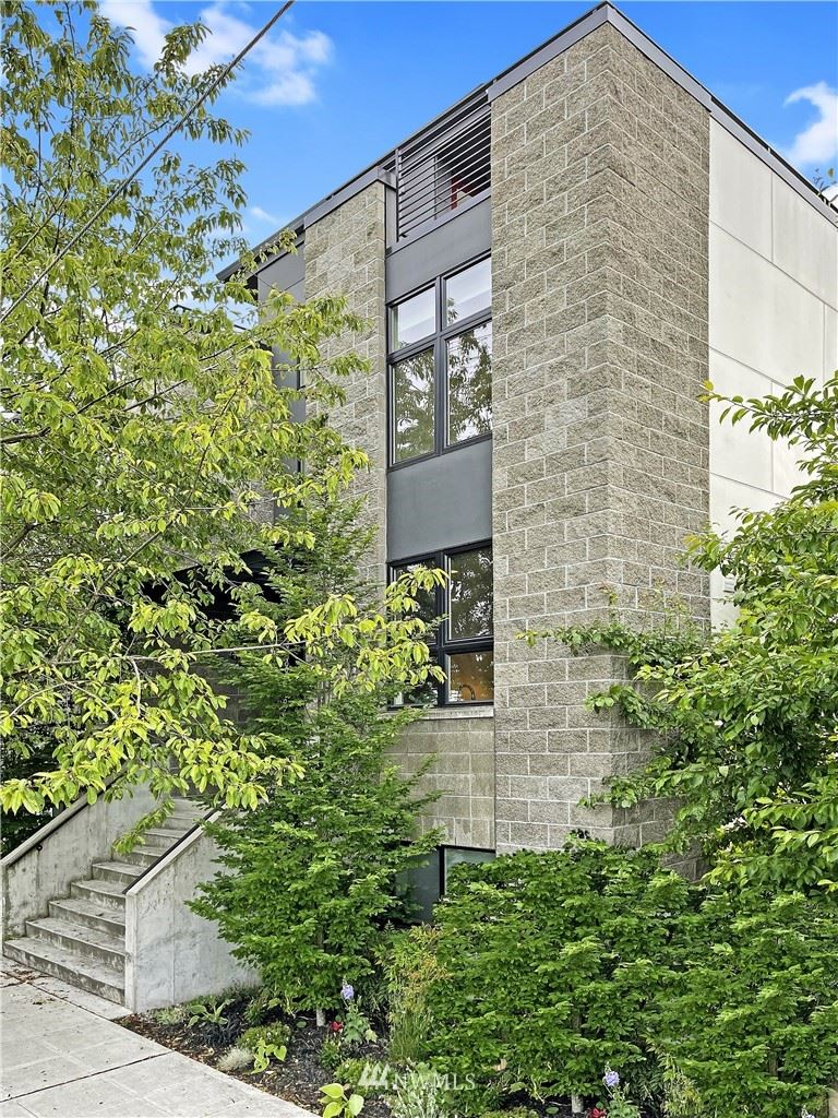 Photo of 6507 Ellis Avenue S #B, Seattle, WA 98108 (MLS # 1785668)