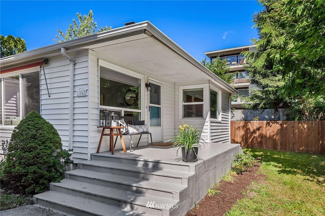 Photo of 11542 Palatine Avenue N, Seattle, WA 98133 (MLS # 1782669)