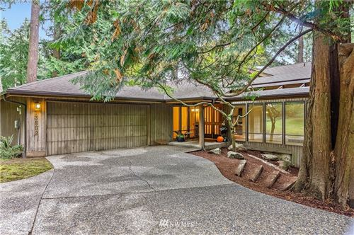 Photo of 13802 NE 26th Place, Bellevue, WA 98005 (MLS # 1682675)