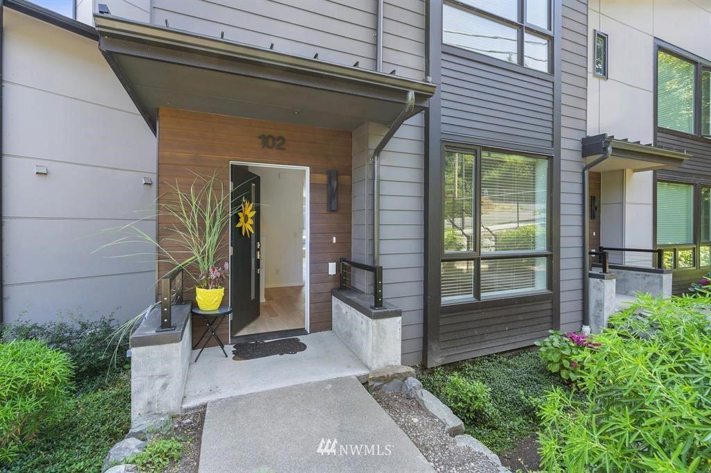 Photo of 18115 65th Avenue NE #102, Kenmore, WA 98028 (MLS # 1639675)