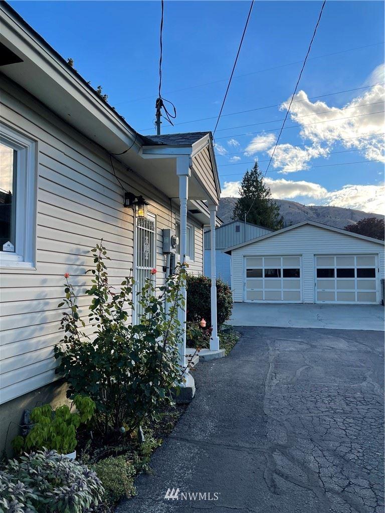 712 Kenaston Drive, Wenatchee, WA 98801 - #: 1851677