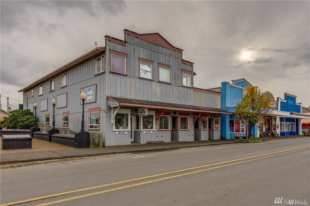 Photo of 304 Pacific Ave S, Long Beach, WA 98631 (MLS # 1557679)