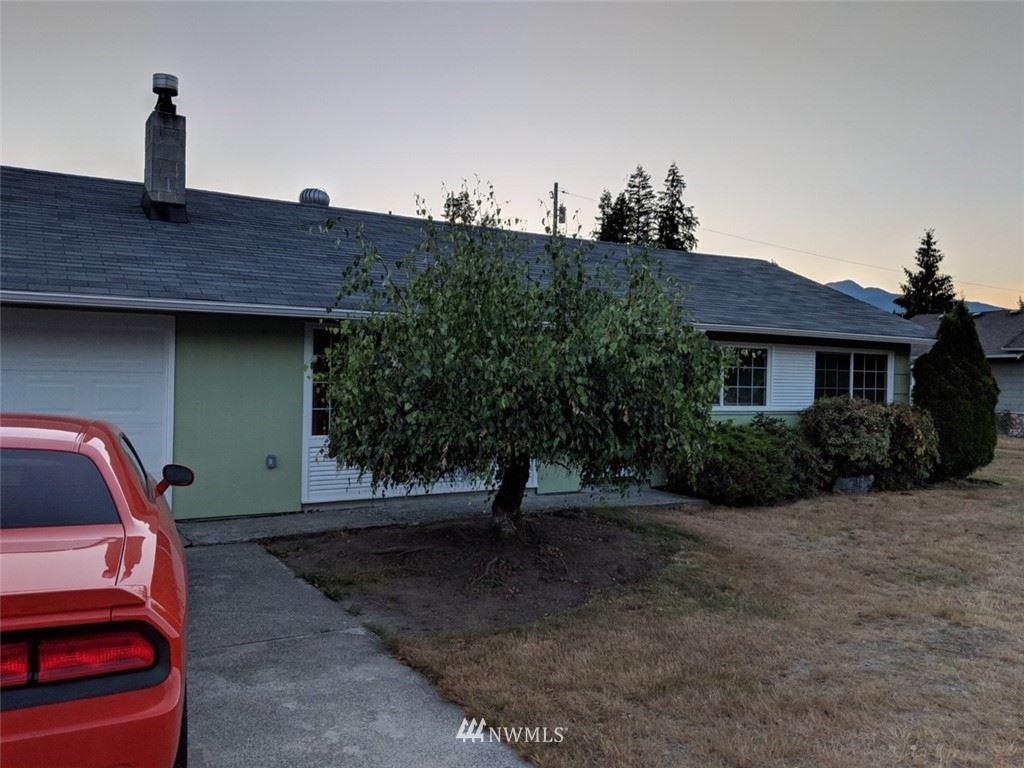 Photo of 815 Givens Avenue, Darrington, WA 98241 (MLS # 1720680)