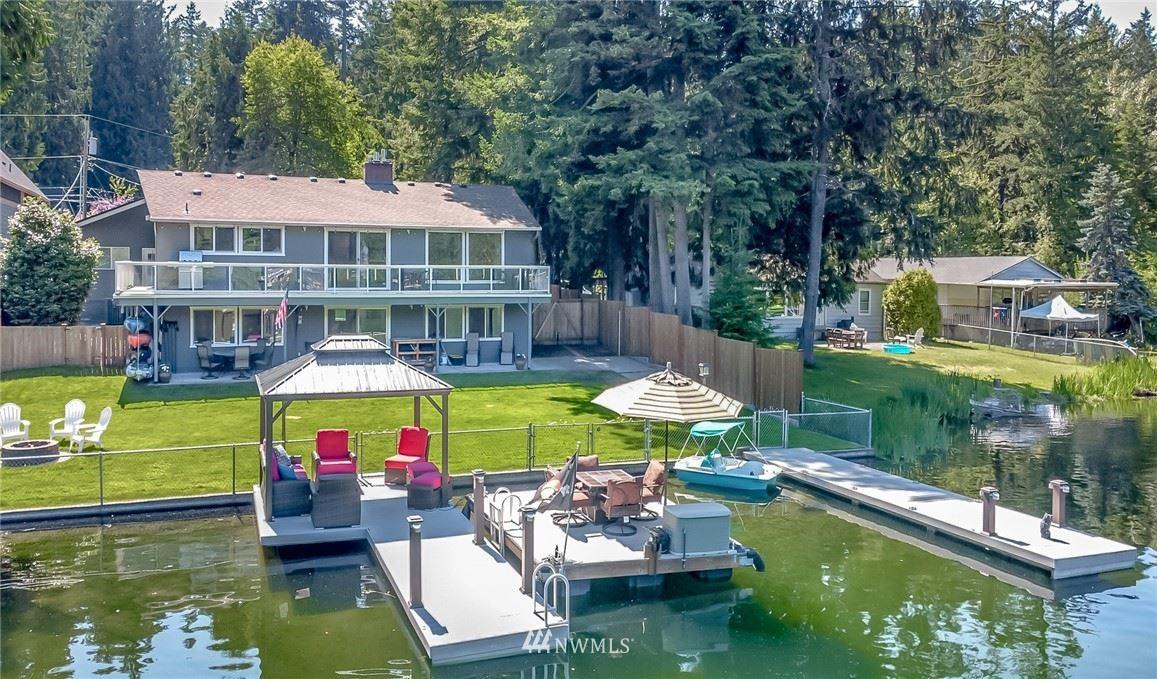 25740 W Lake Wilderness Drive SE, Maple Valley, WA 98038 - #: 1796680