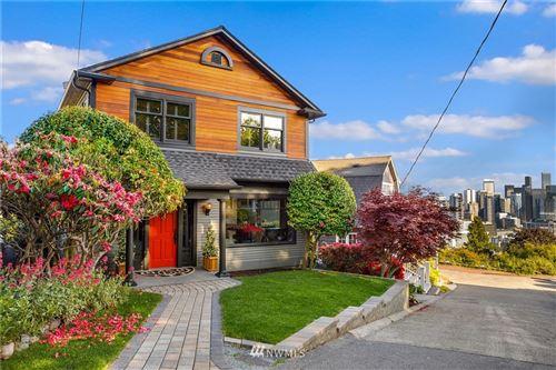 Photo of 404 Comstock Place, Seattle, WA 98109 (MLS # 1718685)
