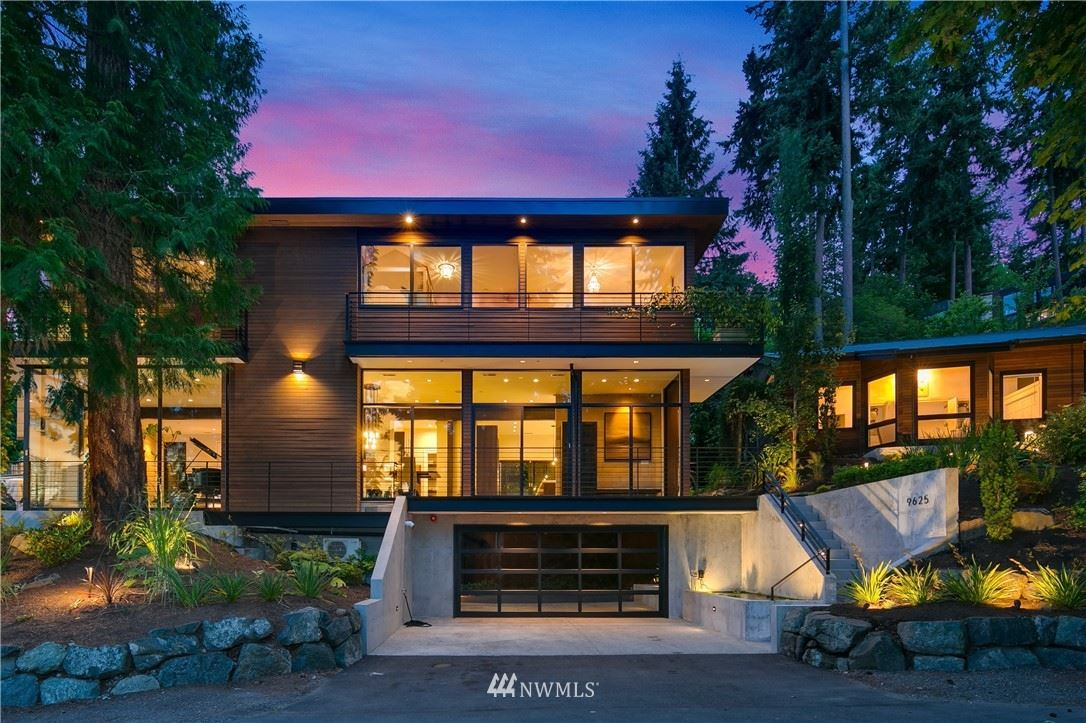 Photo of 9625 SE Shoreland Drive, Bellevue, WA 98004 (MLS # 1787688)