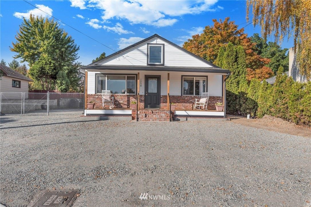 1208 Okanogan Avenue, Wenatchee, WA 98801 - MLS#: 1855688