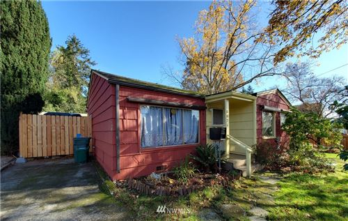 Photo of 6826 40th Avenue NE, Seattle, WA 98115 (MLS # 1695689)