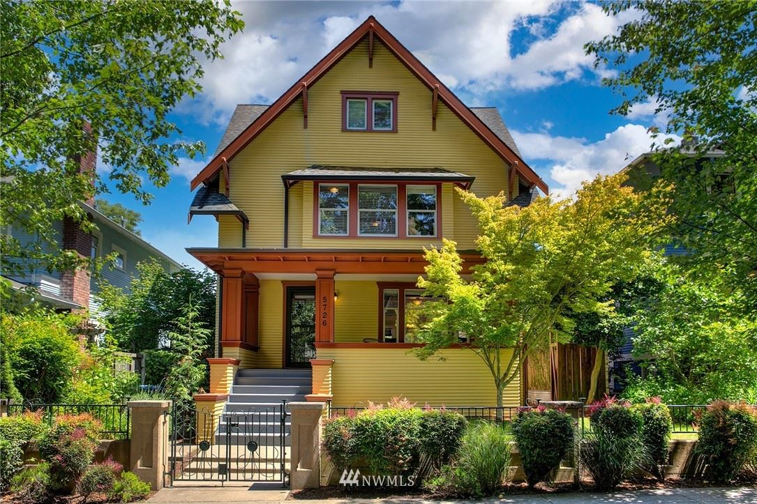 Photo of 5726 16th Avenue NE, Seattle, WA 98105 (MLS # 1787696)
