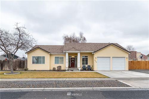 Photo of 210 E Inglewood Drive, Moses Lake, WA 98837 (MLS # 1720697)