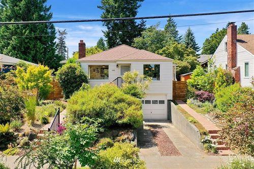 Photo of 12215 Fremont Avenue N, Seattle, WA 98133 (MLS # 1805700)