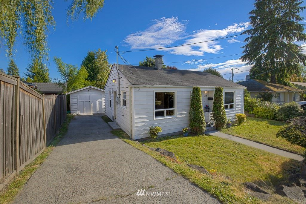 Photo of 1407 SW Cambridge Street, Seattle, WA 98106 (MLS # 1790704)