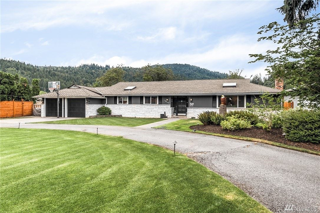 Photo of 18602 SE May Valley Road, Issaquah, WA 98027 (MLS # 1634707)