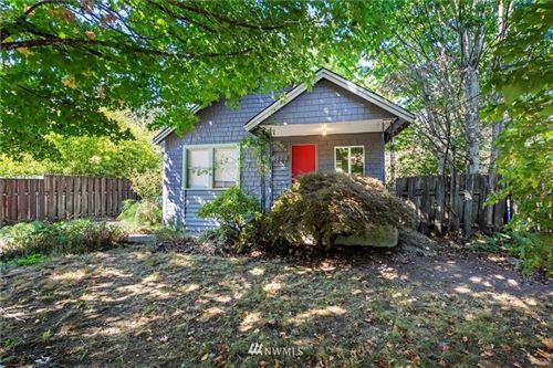 Photo of 5627 26th Avenue SW, Seattle, WA 98106 (MLS # 1837708)