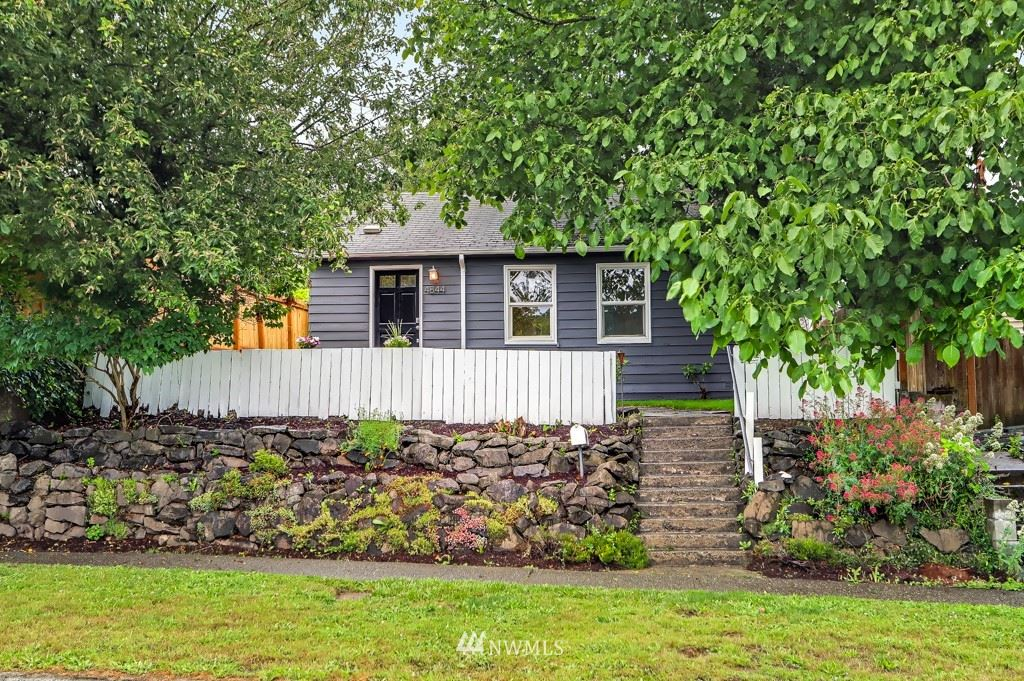 Photo of 4844 25th Avenue SW, Seattle, WA 98106 (MLS # 1792709)