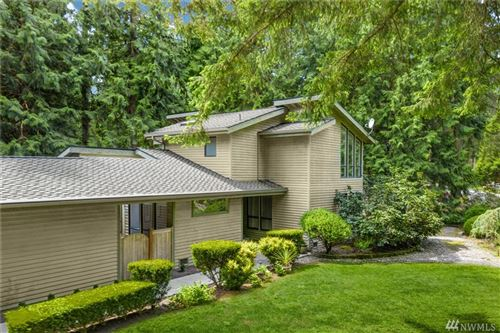 Photo of 2105 Sahalee Dr W, Sammamish, WA 98074 (MLS # 1596711)