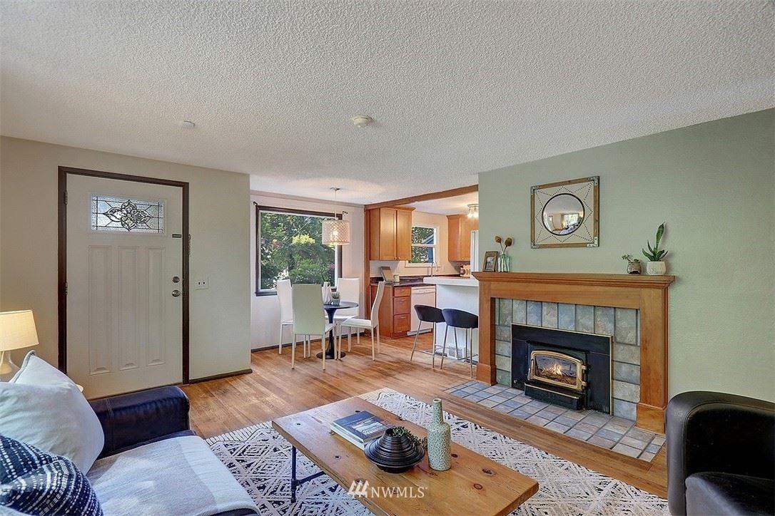 Photo of 2624 NE 133rd Street, Seattle, WA 98125 (MLS # 1780712)
