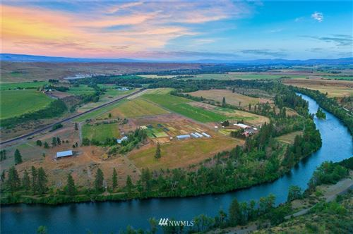 Photo of 1250 Dudley Road, Thorp, WA 98946 (MLS # 1801715)