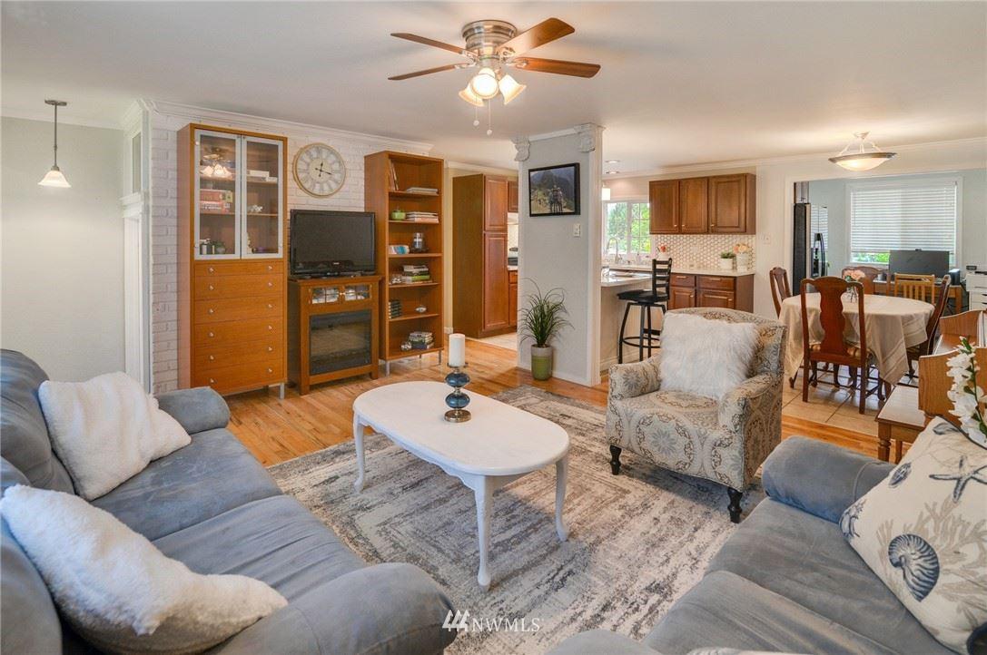 Photo of 14238 76th Place NE, Kirkland, WA 98034 (MLS # 1791715)