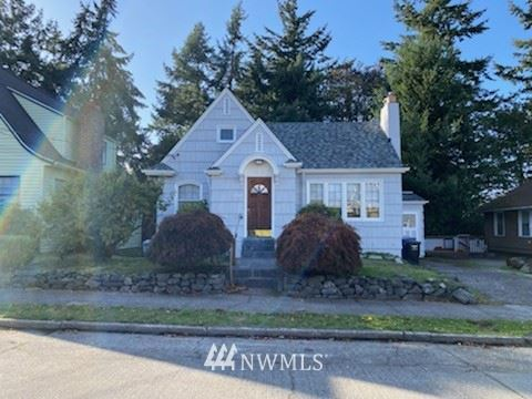 Photo of 2607 39th Avenue SW, Seattle, WA 98116 (MLS # 1677716)