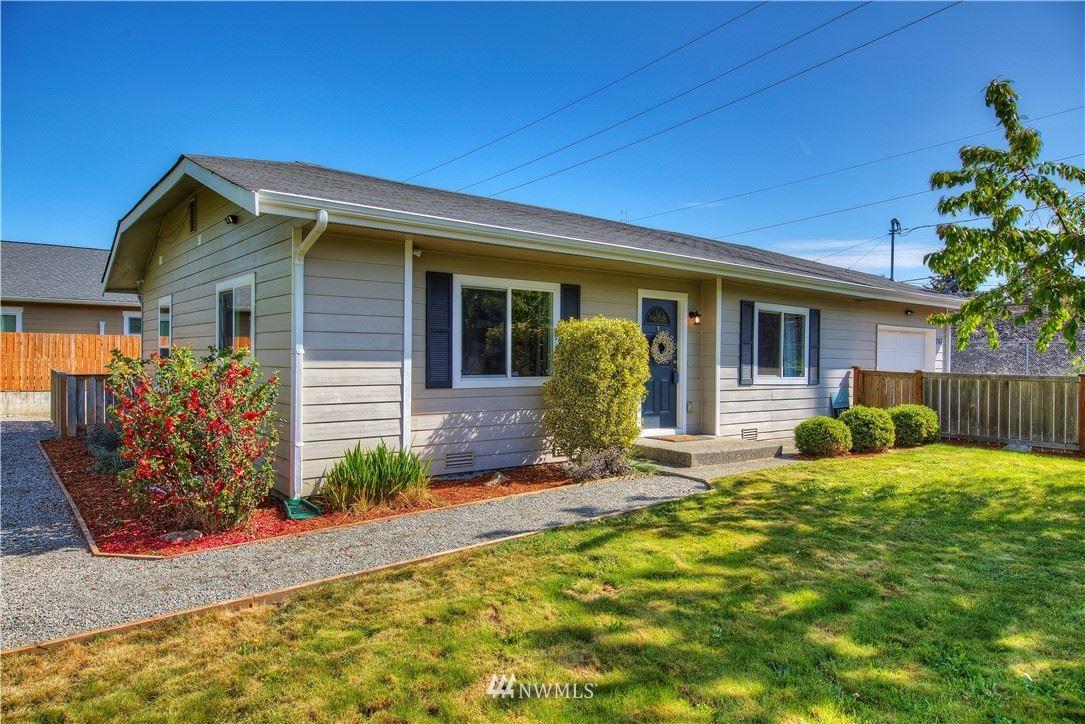 Photo of 763 1st Avenue E, Pacific, WA 98047 (MLS # 1768718)