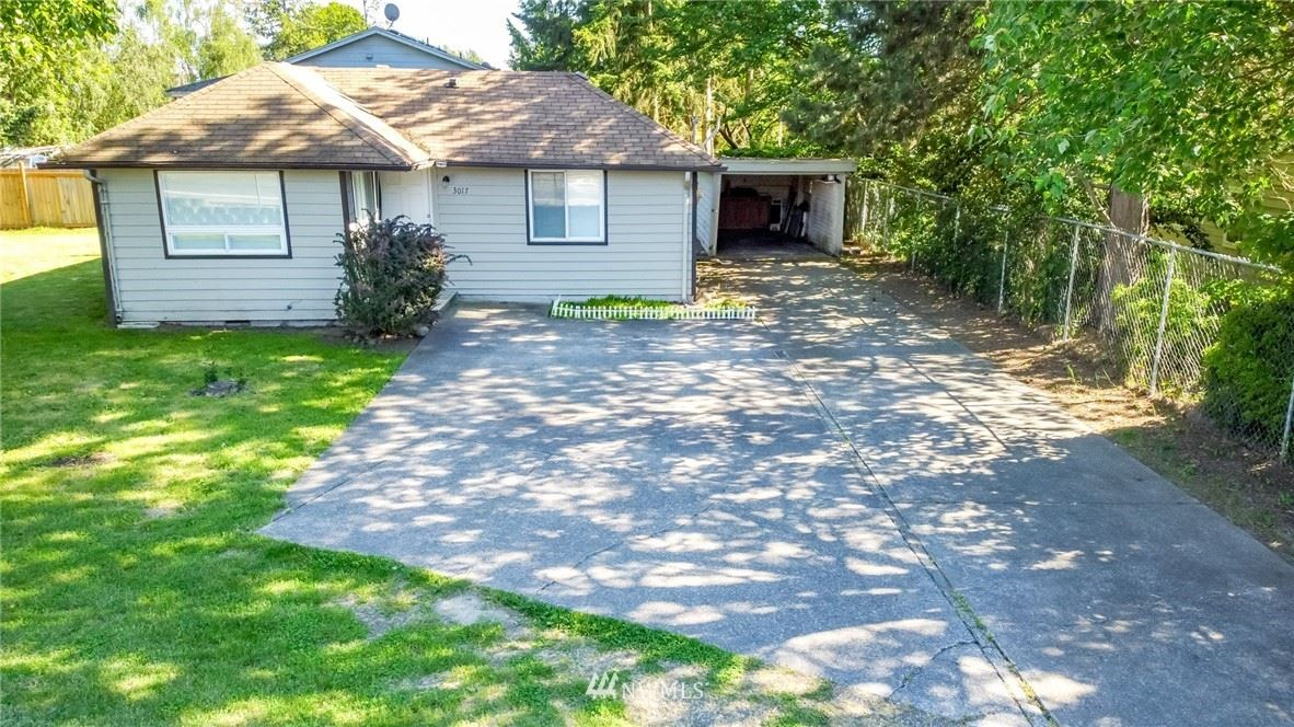 Photo of 3017 S 216th Street, Des Moines, WA 98198 (MLS # 1776723)