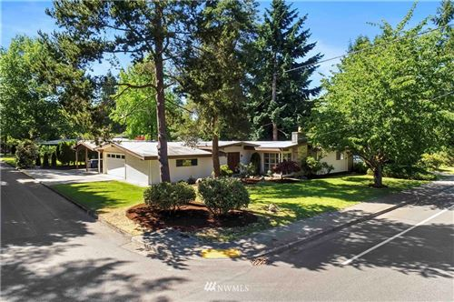 Photo of 983 164th Avenue SE, Bellevue, WA 98008 (MLS # 1782727)