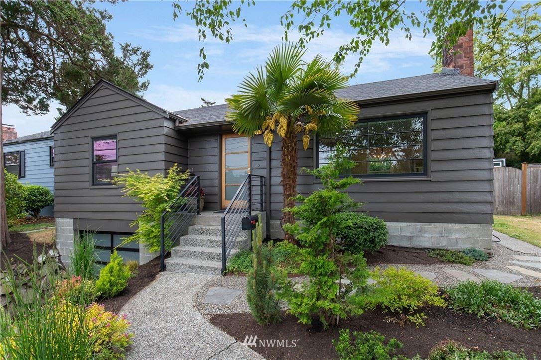 Photo of 3037 34th Avenue W, Seattle, WA 98199 (MLS # 1788727)