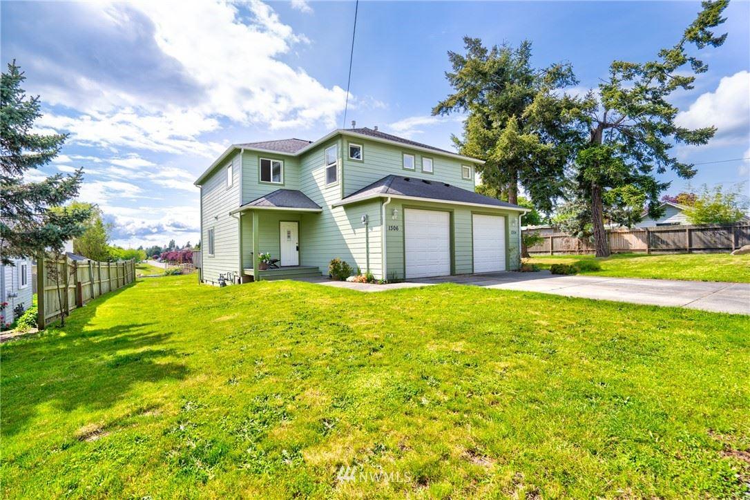 Photo of 1304 H Ave, Anacortes, WA 98221 (MLS # 1619728)