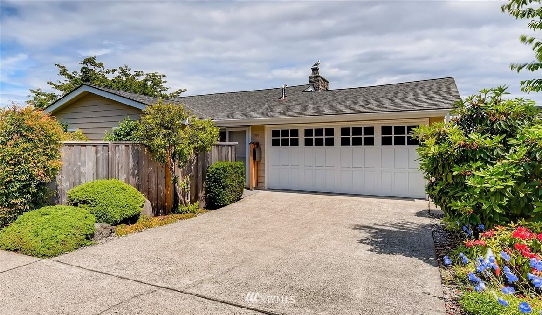 Photo of 2638 38th Avenue W, Seattle, WA 98199 (MLS # 1792728)