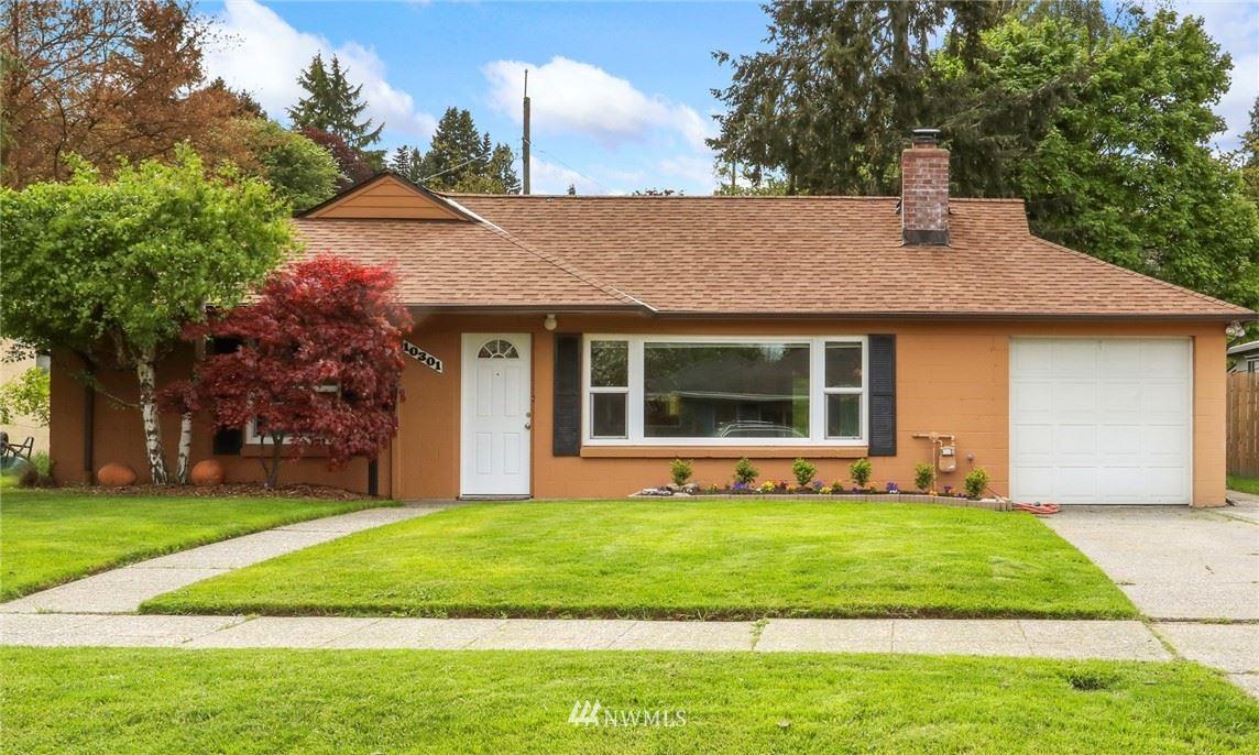 Photo of 10301 Dibble Avenue NW, Seattle, WA 98177 (MLS # 1770731)