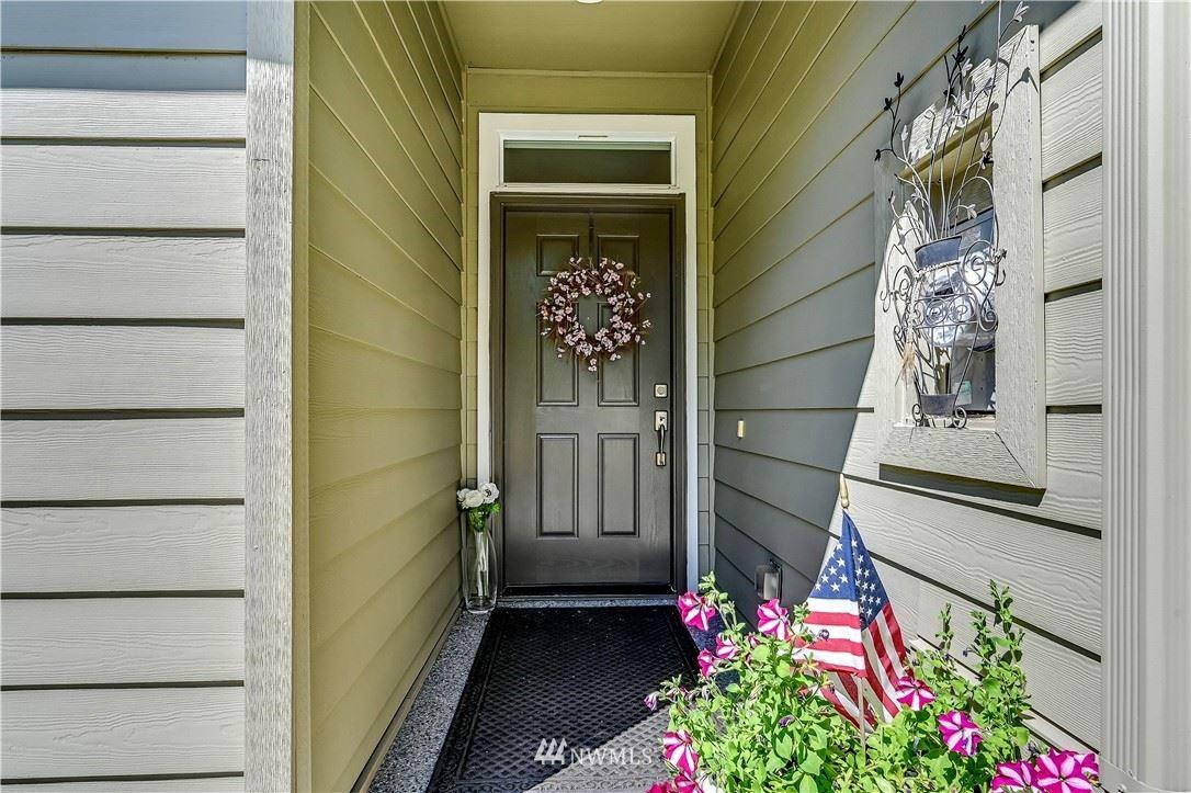Photo of 24322 NE Vine Maple Way, Redmond, WA 98053 (MLS # 1792731)