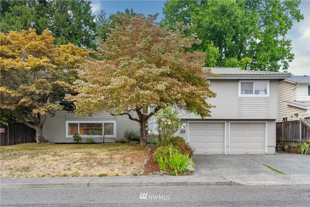 Photo of 6909 192nd Street SW, Lynnwood, WA 98036 (MLS # 1662732)