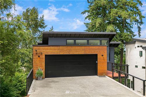 Photo of 4113 131st Avenue SE, Bellevue, WA 98006 (MLS # 1786734)