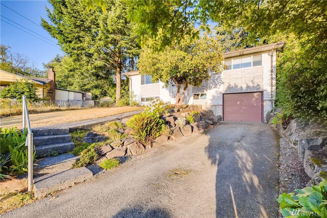 Photo of 6302 220th Place SW, Mountlake Terrace, WA 98043 (MLS # 1626734)