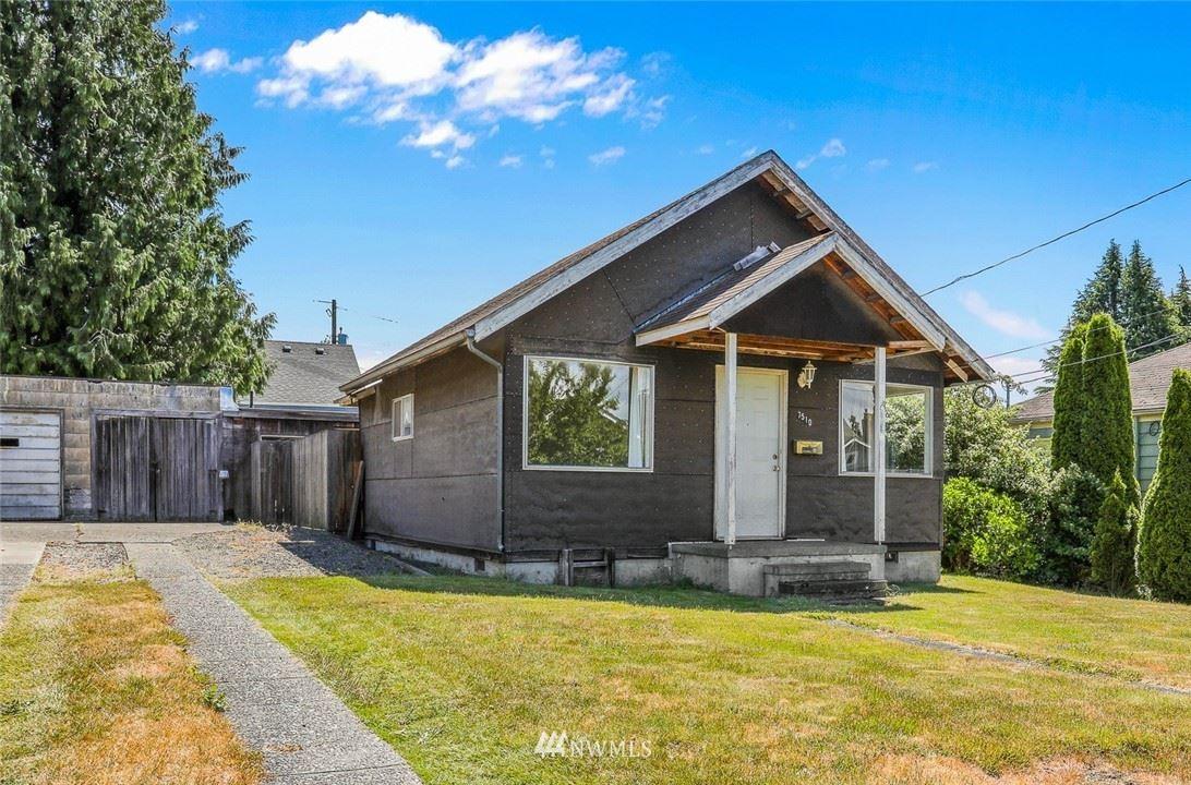 Photo of 7510 27th Avenue NW, Seattle, WA 98117 (MLS # 1790737)