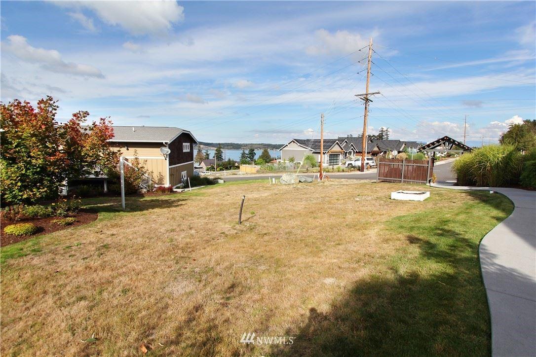 Photo of 3903 Isle Way, Anacortes, WA 98211 (MLS # 1662739)