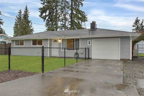 Photo of 2005 9th Avenue SE, Puyallup, WA 98372 (MLS # 1759740)