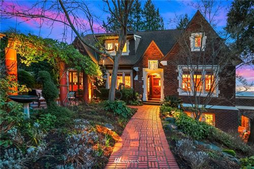 Photo of 819 W Lee Street, Seattle, WA 98119 (MLS # 1724742)