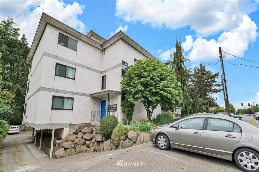 Photo of 11535 Greenwood Avenue N #302, Seattle, WA 98133 (MLS # 1767744)