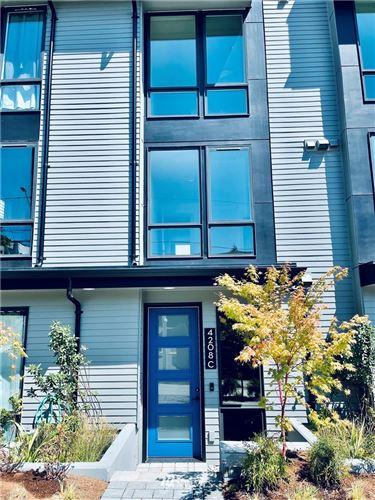 Photo of 4208 Evanston Avenue N, Seattle, WA 98103 (MLS # 1806745)