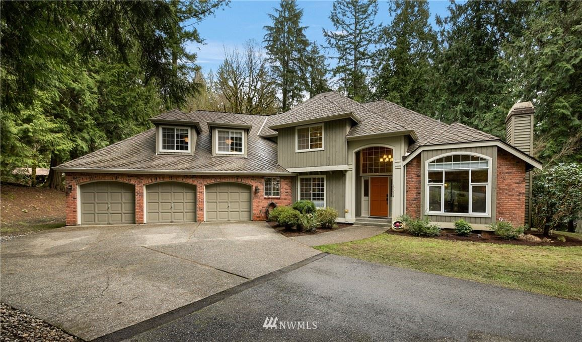 Photo of 12254 210th Place SE, Issaquah, WA 98027 (MLS # 1735745)