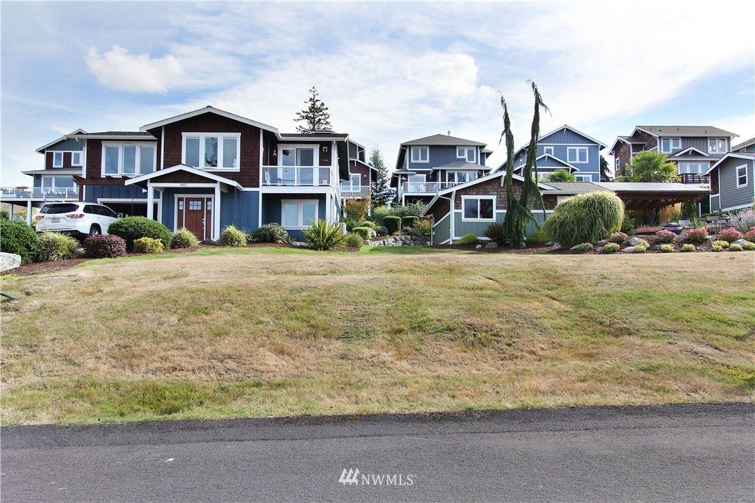 Photo of 3909 Isle Way, Anacortes, WA 98211 (MLS # 1662748)
