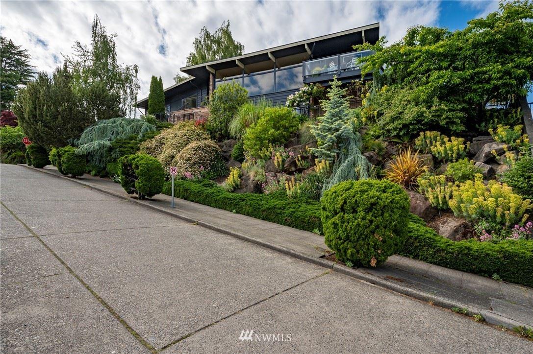 Photo of 1602 Bigelow Avenue N, Seattle, WA 98109 (MLS # 1781752)