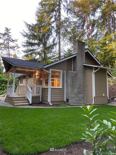Photo of 13759 interlake Ave N, Seattle, WA 98133 (MLS # 1638754)