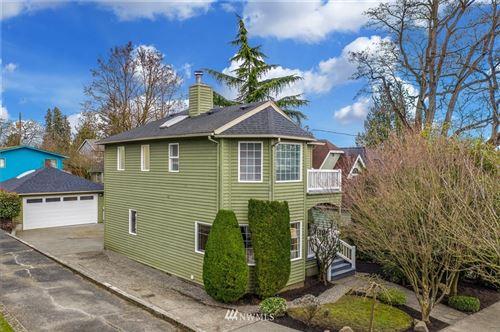 Photo of 918 N 86th Street, Seattle, WA 98103 (MLS # 1733756)
