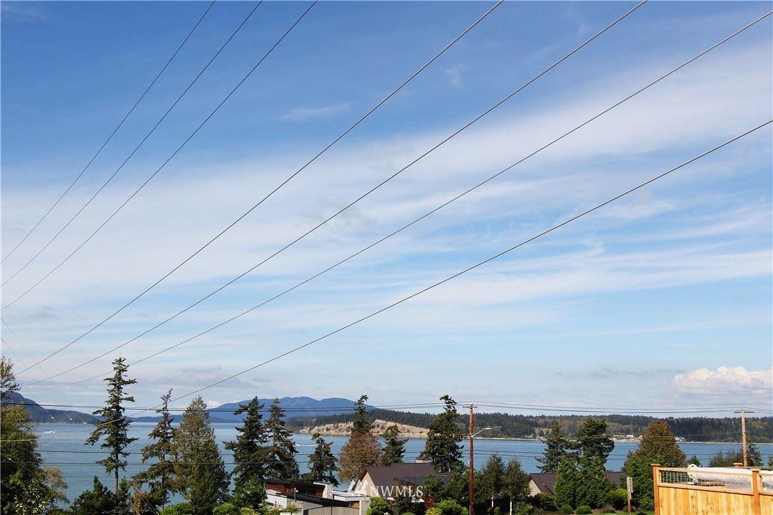 Photo of 3915 Isle Way, Anacortes, WA 98211 (MLS # 1662757)