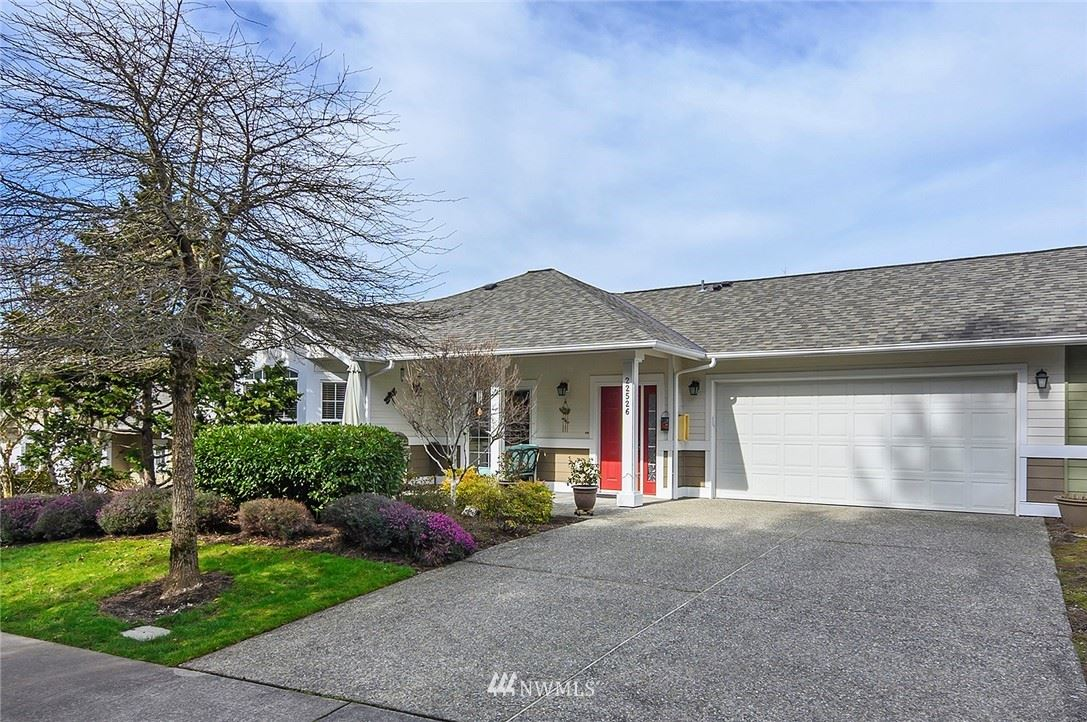 Photo of 22526 SE 45th Place, Issaquah, WA 98029 (MLS # 1741758)